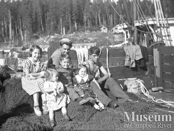 A group of children at the Bones Bay cannery