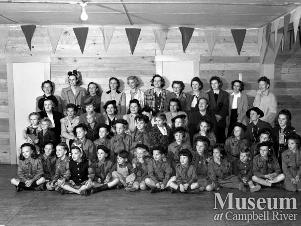 Brownie group with their mothers, Campbell River