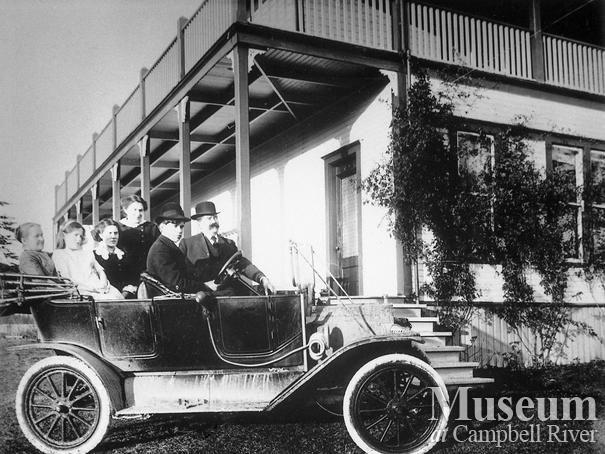 Thulin family in their new car, Campbell River