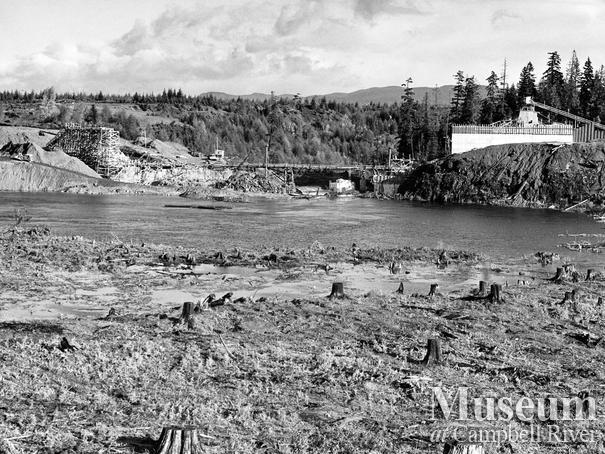 Construction of the John Hart Dam
