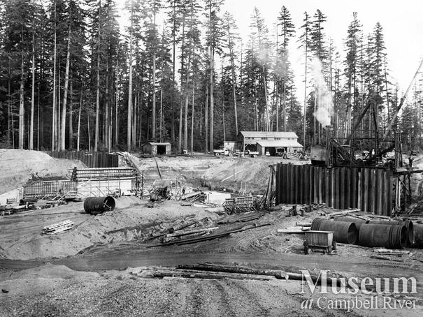 Construction of the John Hart Dam