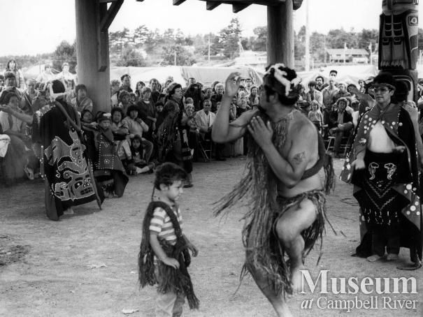 Bill Henderson dancing at Foreshore Pavilion
