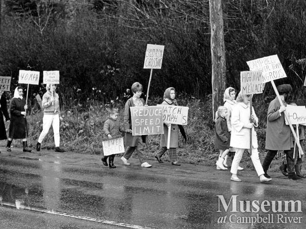 A Campbell River protest regarding the dangers of the Island hwy.